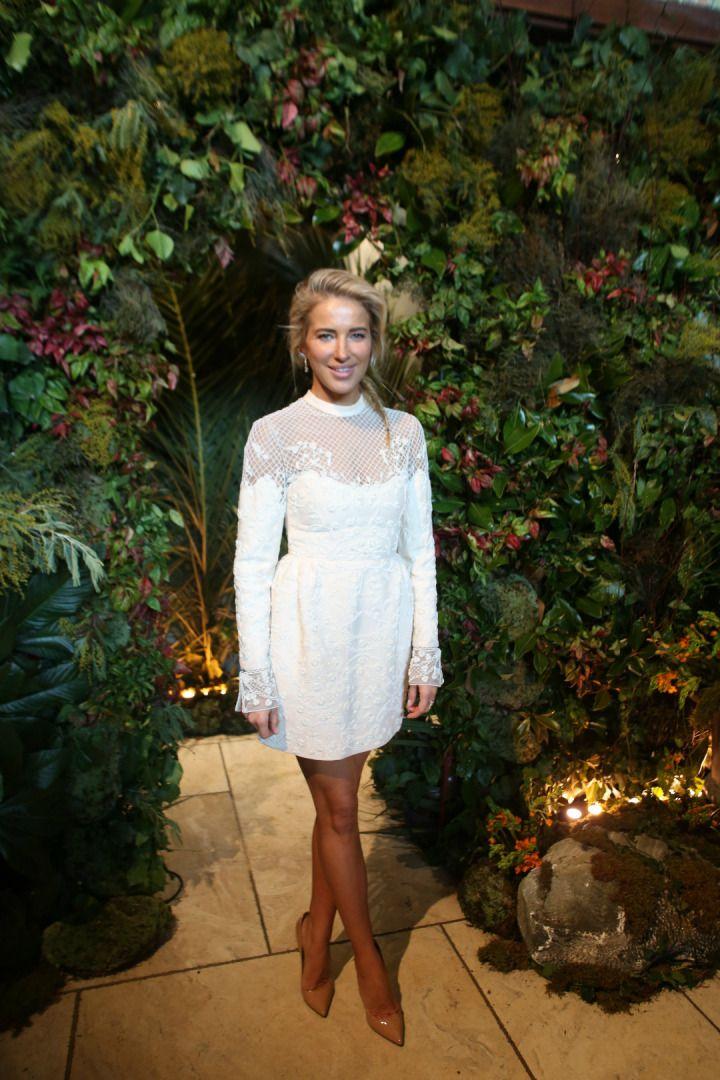 My Love The White Dress Panosundaki Pin