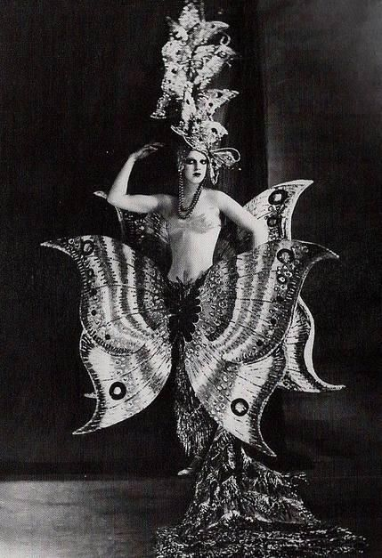 Butterfly girl, Folies Bergere, 1909.