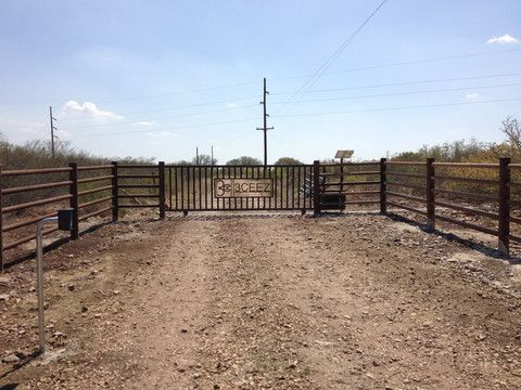 Hill Country Fence Ideas Pipe Steel Fencing Property