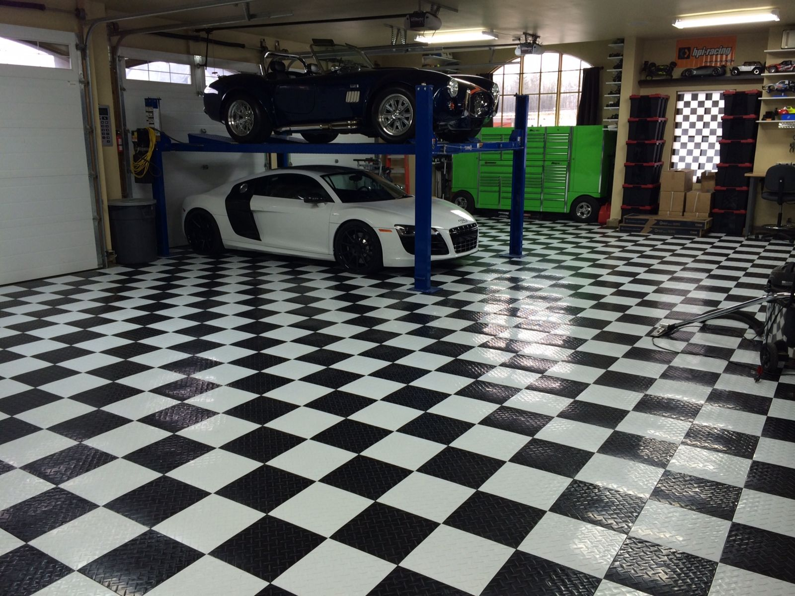 Awesome garages plus fluorescent light awesome checkered plus fluorescent light awesome checkered garage floor tiles design dailygadgetfo Choice Image
