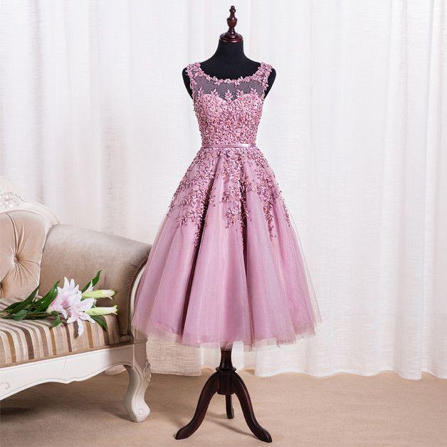Die Lieferzeit dauert 15-25 Werktage, wenn Sie das Kleid dringend ...