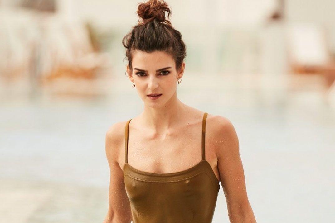 Clara Lago Revoluciona Las Redes Con Su Posado En Bikini Magazinespain Com Fotos En Bikini Bikini Bikinis