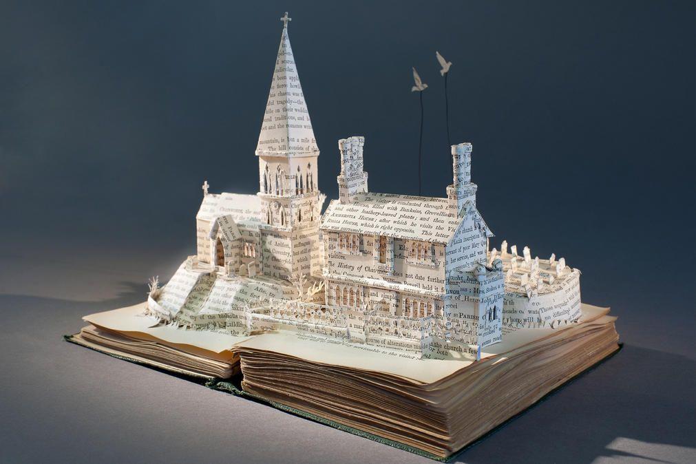 livre Les livres sculptures # 5  Su Blackwell - Le grenier à - moderne skulpturen wohnzimmer