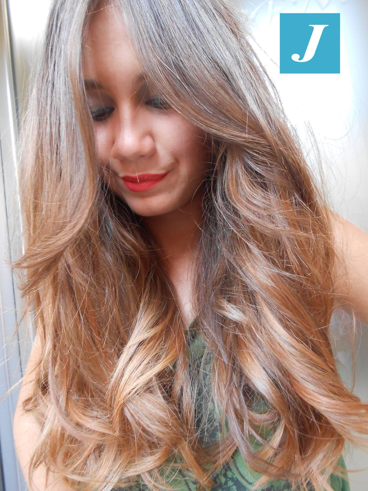 Sfumature di stile. #cdj #degradejoelle #tagliopuntearia #degradé #igers #naturalshades #hair #hairstyle #haircolour #haircut #longhair #ootd #hairfashion