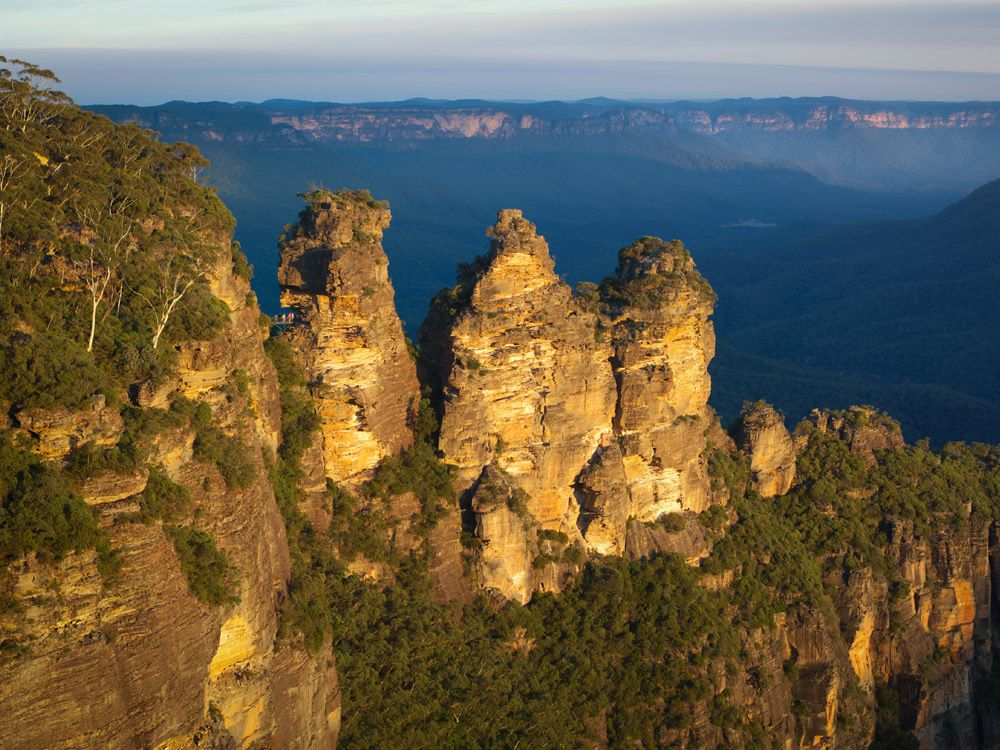 Three sisters rock formation at Blue Mountains , Australia