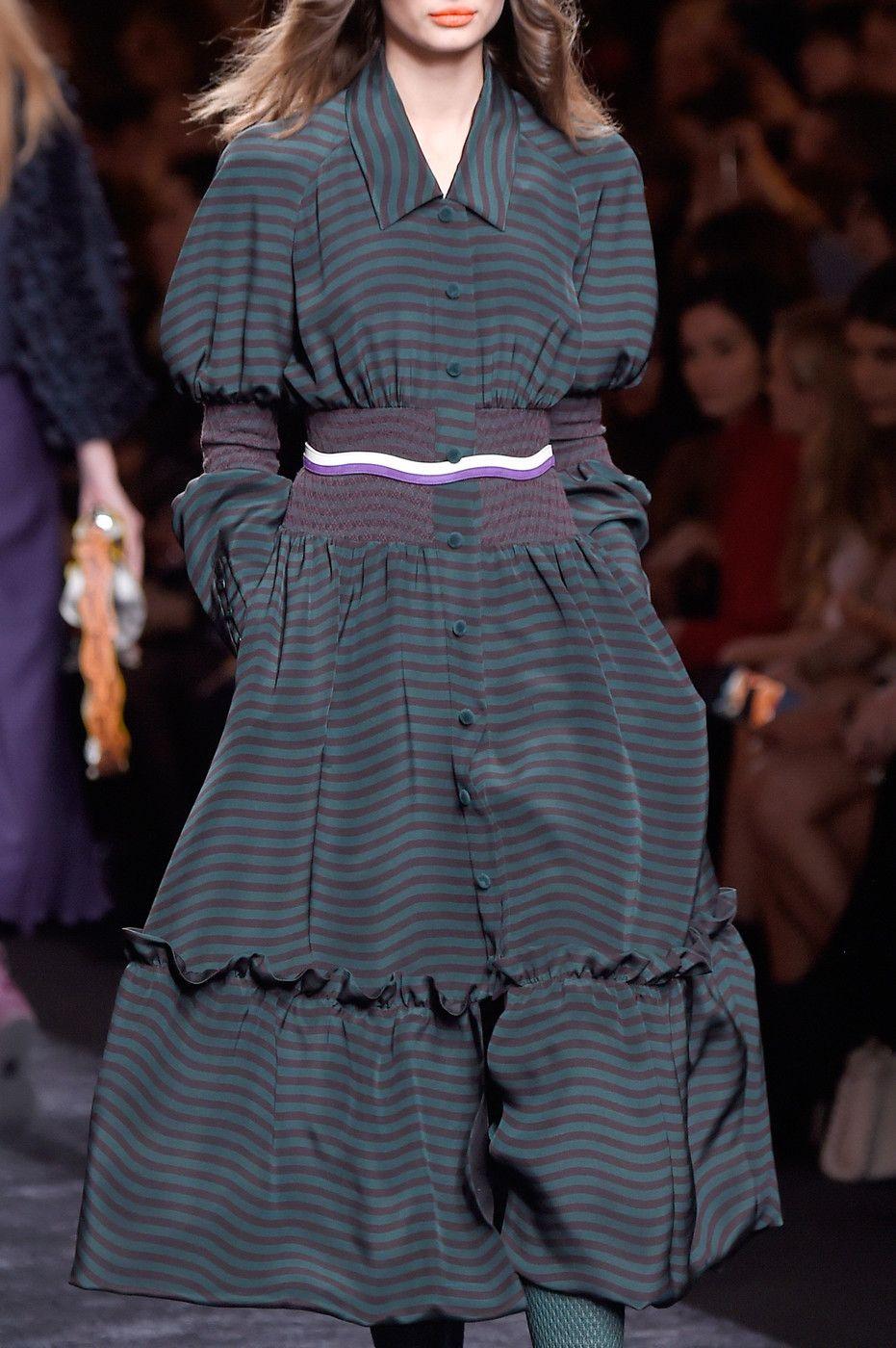 dd284f8326f5e9 Fendi Fall 2016 Ready-to-Wear by Silvia Venturini Fendi and Karl Lagerfeld