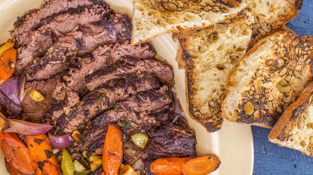 Rachael's Pot Roast, Tuscan-Style #coldweatherfood A braised roast and vegetables makes for the ultimate cold weather comfort food. #coldweatherrecipes