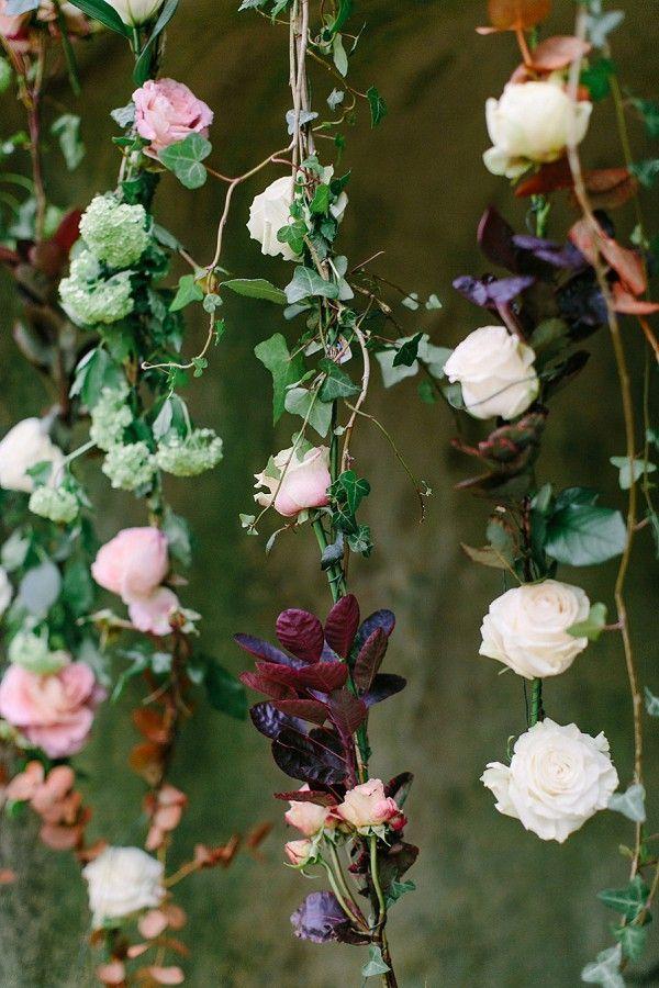 Hanging flowers wedding ceremony | Image by Julia Winkler