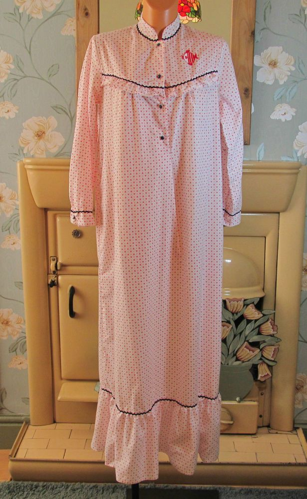 Vintage red white sissy frilly nightie gown peignoir nightshirt UK ...