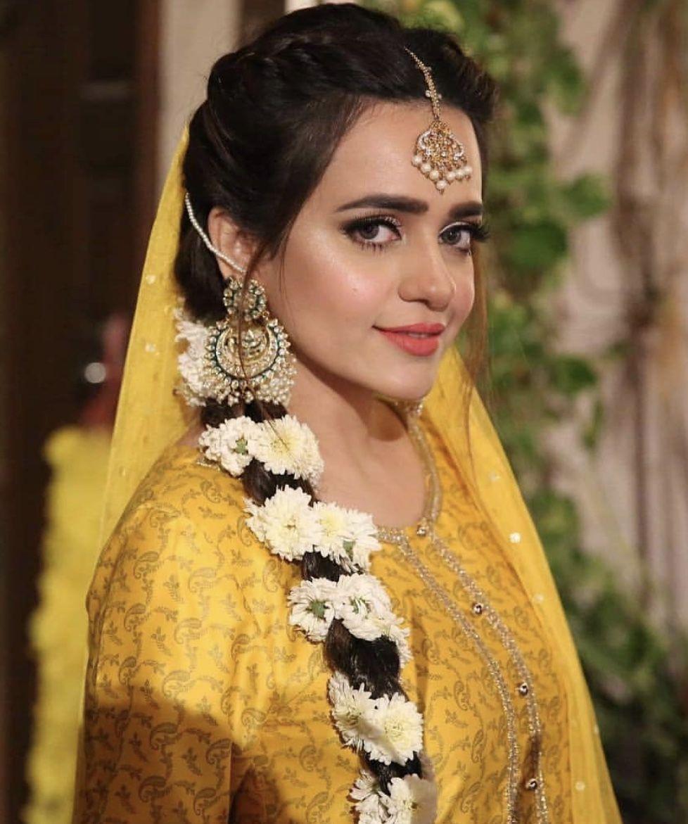 Mayoon Hair Inspo For Bride Or Her Sisters Beautiful Bridal Makeup Pakistani Wedding Hairstyles Mehndi Hairstyles