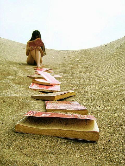 Leer en una duna