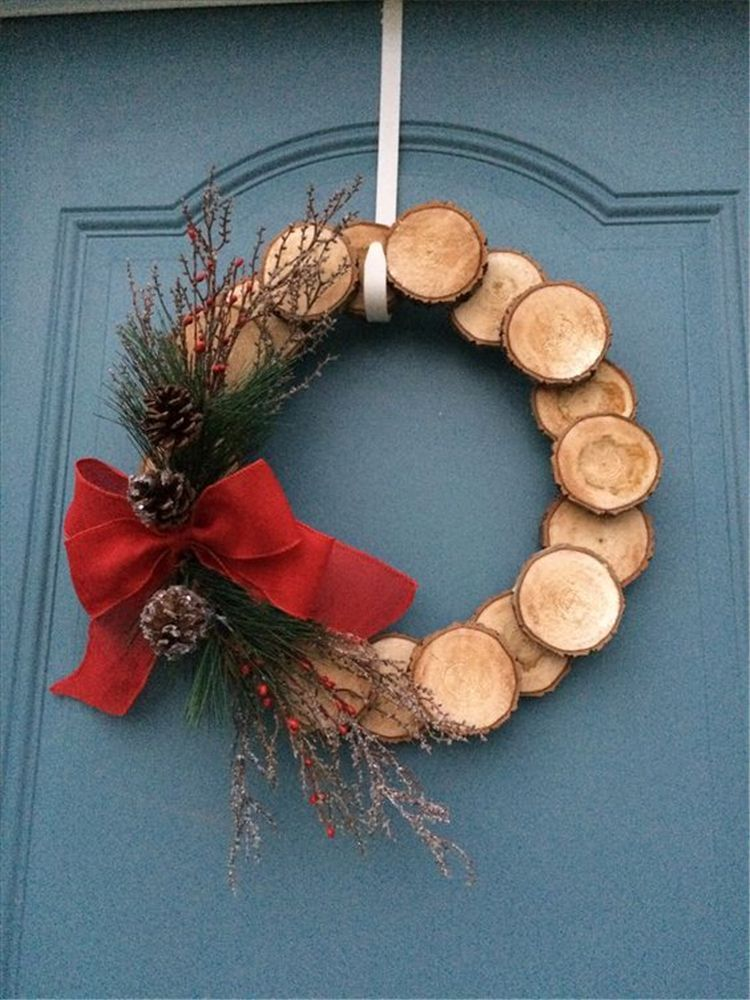 How to make a rustic wood slice wreath in 2020 christmas