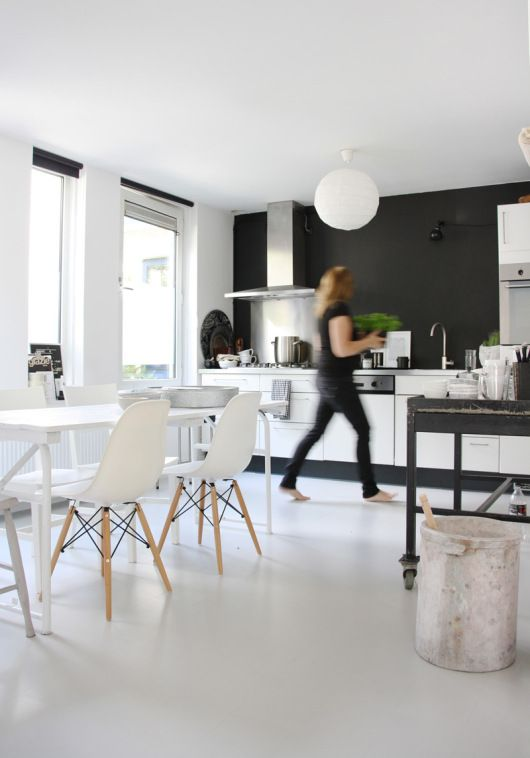 Home Tour High Contrast in Amsterdam High contrast - küche ohne oberschränke