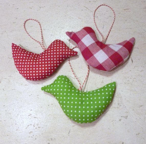 Fabric Birds Decorations, Christmas Decoration in green, red and white. €9,00, via Etsy.