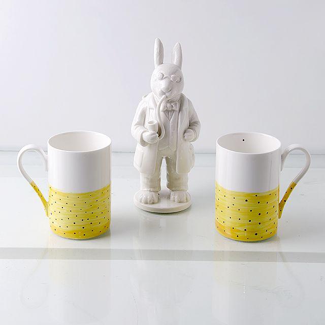 Hand painted porcelain mugs by OLGA KABIE @olgakabie #bonechina #olgakabie #mug #blue #ocean #gift #porcelain #sea