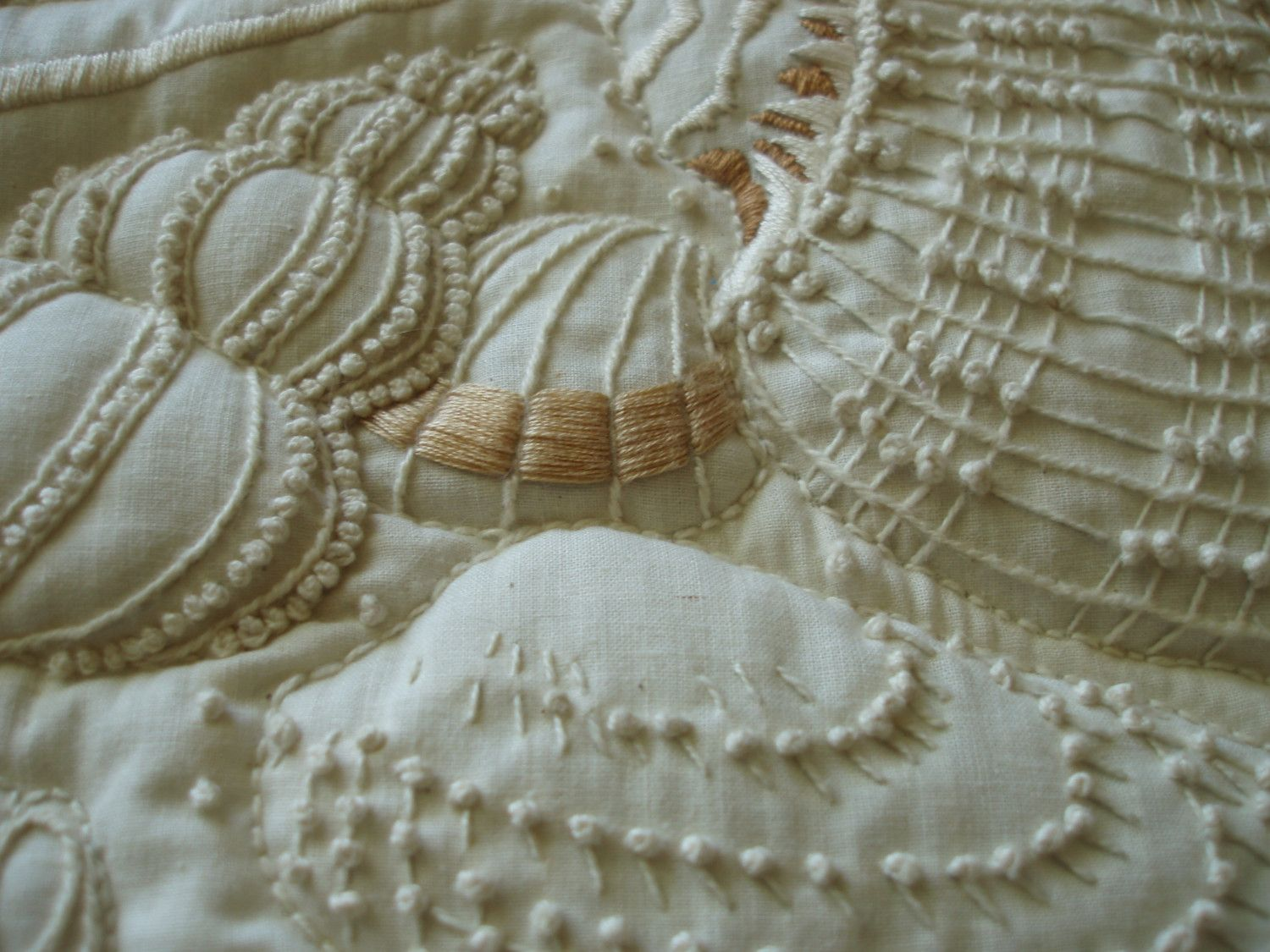 embroidery texture shells | Hand embroidery designs ...