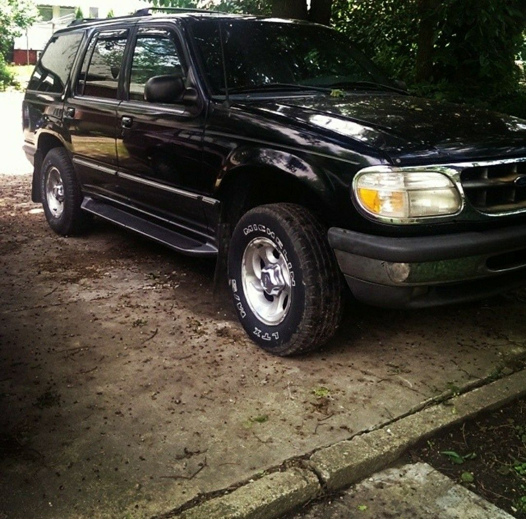 1998 Ford Explorer Ford explorer, Jeep, Ford