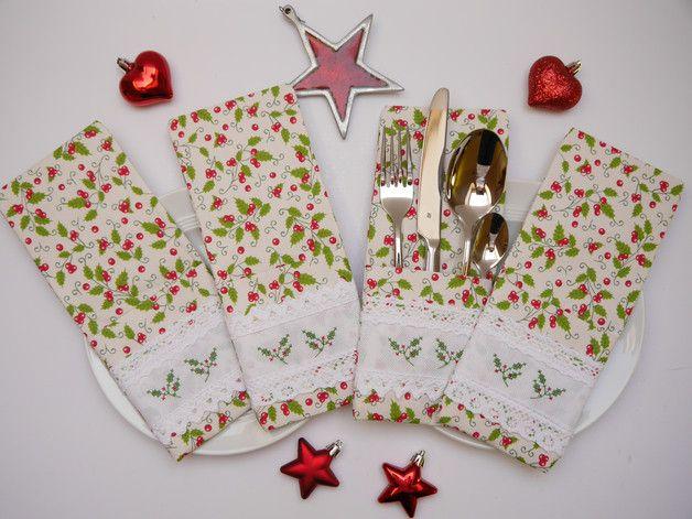 Deko und Accessoires für Weihnachten: Bestecktaschen-Set(4) Ilexzweig Kreuzstich made by Fäden über Kreuz - Das Bindfadenvertüdelstübchen im Norden via DaWanda.com