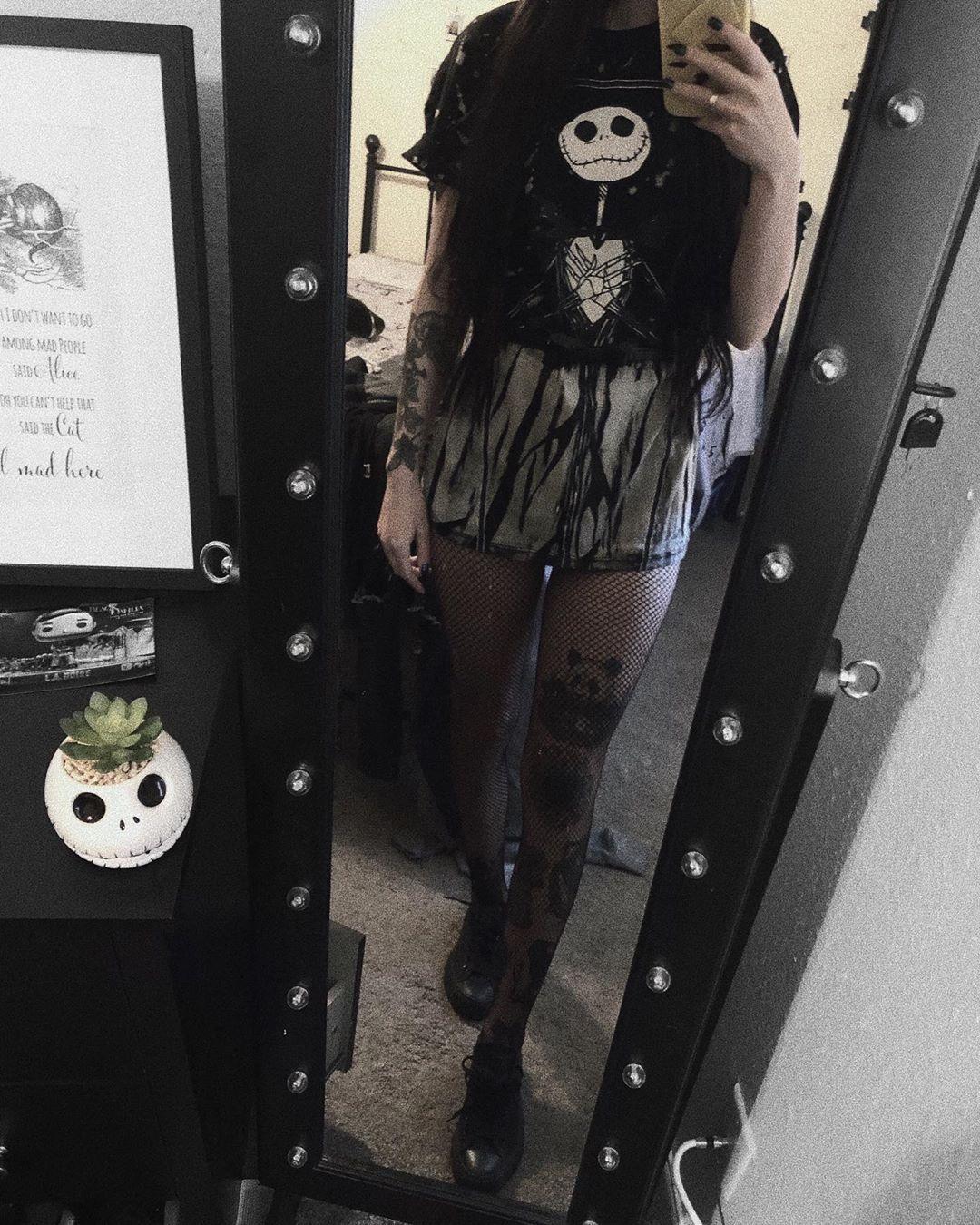 ☠️ #ootd #outfitinspiration #oversizedshirt #oversized #shirtdress #nbc #nightmarebeforechristmas #nightmarebeforechristmasshirt #jackskellington #jackskellingtonsucculent #jackskellingtonshirt #htfandom #htfashion #inked #inkedgirls #inkedlegs #inkedarm #girlswithtattoos #tattoedgirl #tattooedgirls #tattoos_of_instagram #nerdygirl #nerdheaven #longhair #darkhair #darkvibes