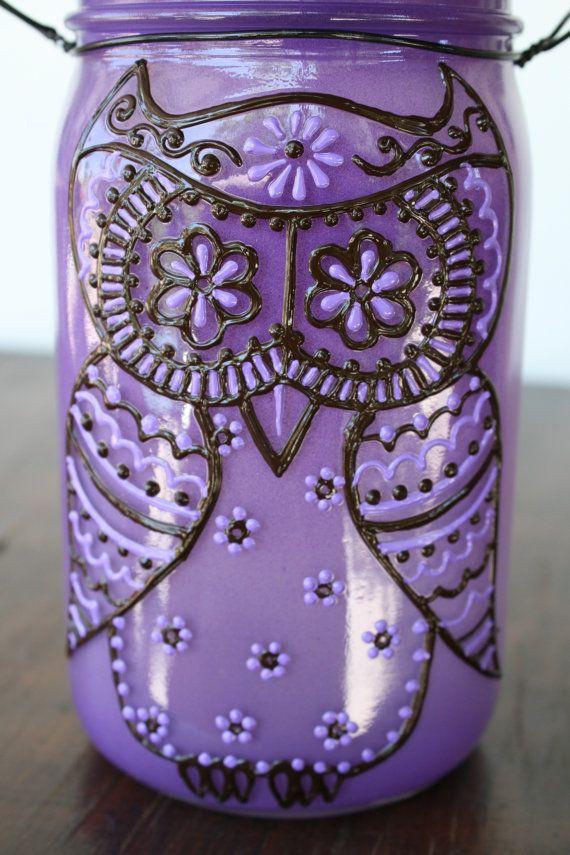 Owl Mason Jar Light, mi piace l'idea degli occhi a forma di fiori e la decorazione floreale della fronte e del corpo
