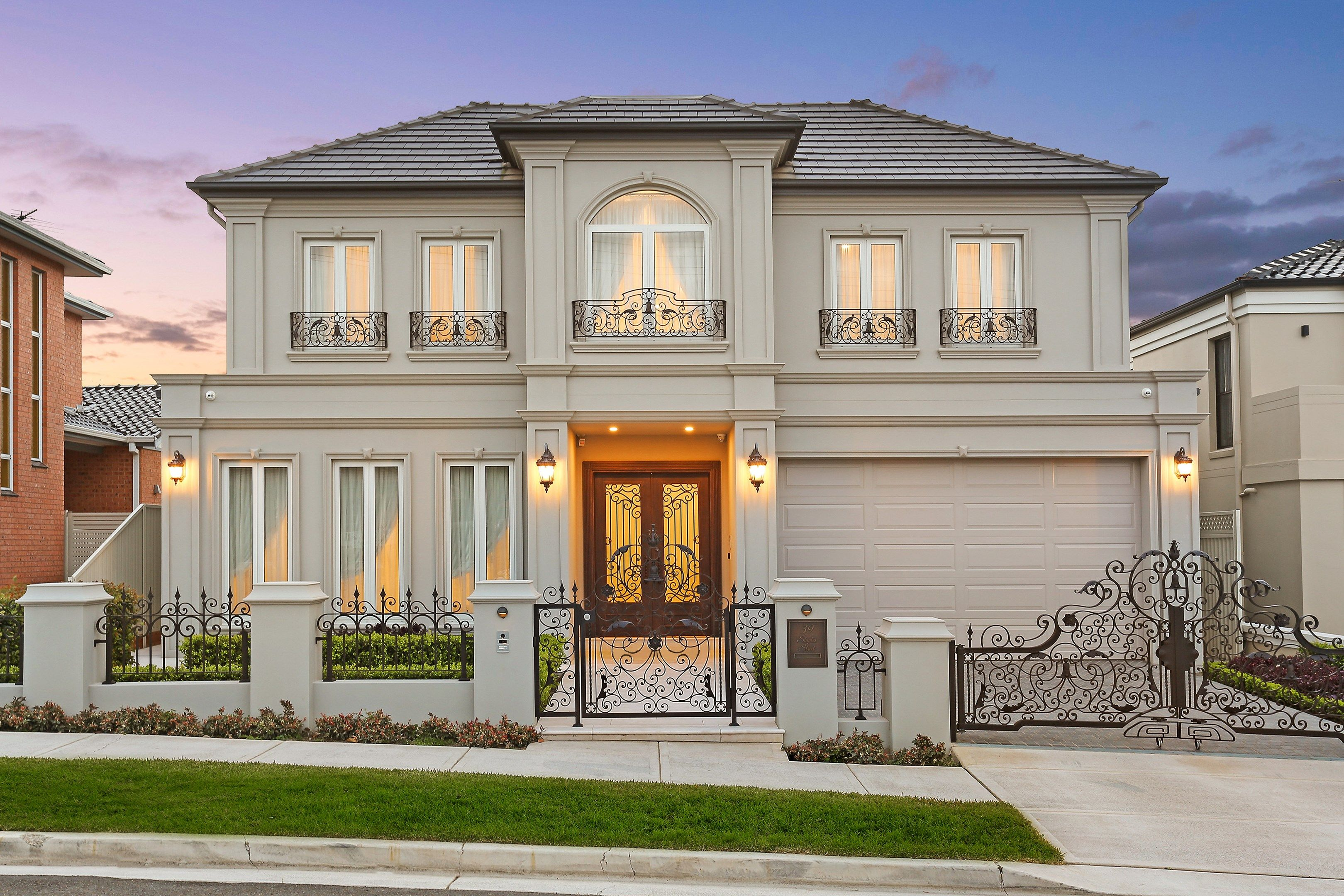 7 Bedroom House For Sale At 39 Staples Street Kingsgrove Nsw 2208 View Property Photos Floor Plans Home Building Tips Modern House Design Building A House