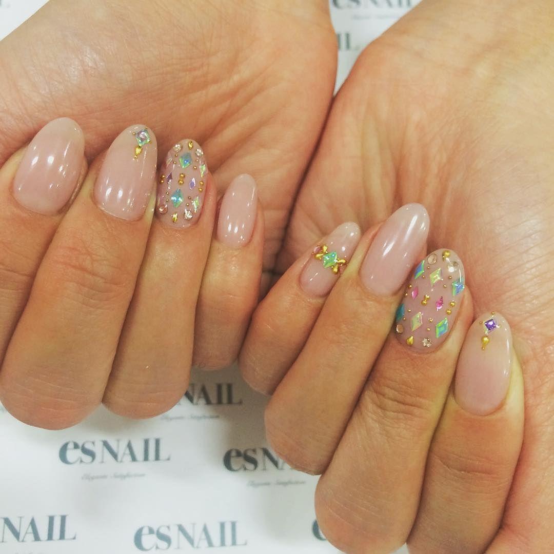 #nail#nails#nailart#naildesign#esnail#esnail_shibuya#gelnail#ネイル#エスネイル#ジェルネイル#esネイル#ネイルデザイン#tokyo#newnail@esnail_la#simplenails#winternail#aurora#autumnnails#studs#auroranails#grayishpink#シンプルネイル#グレイッシュピンク#grayish