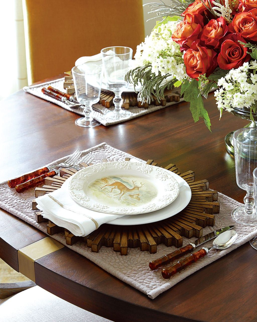 An Elegant, Thanksgiving Table to Gather 'Round ...