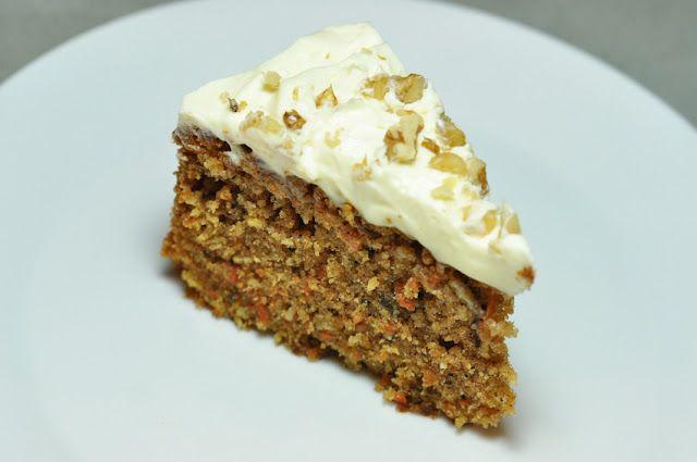 Walnuss Karotten Kuchen Mit Frischrahm Honig Glasur Backen