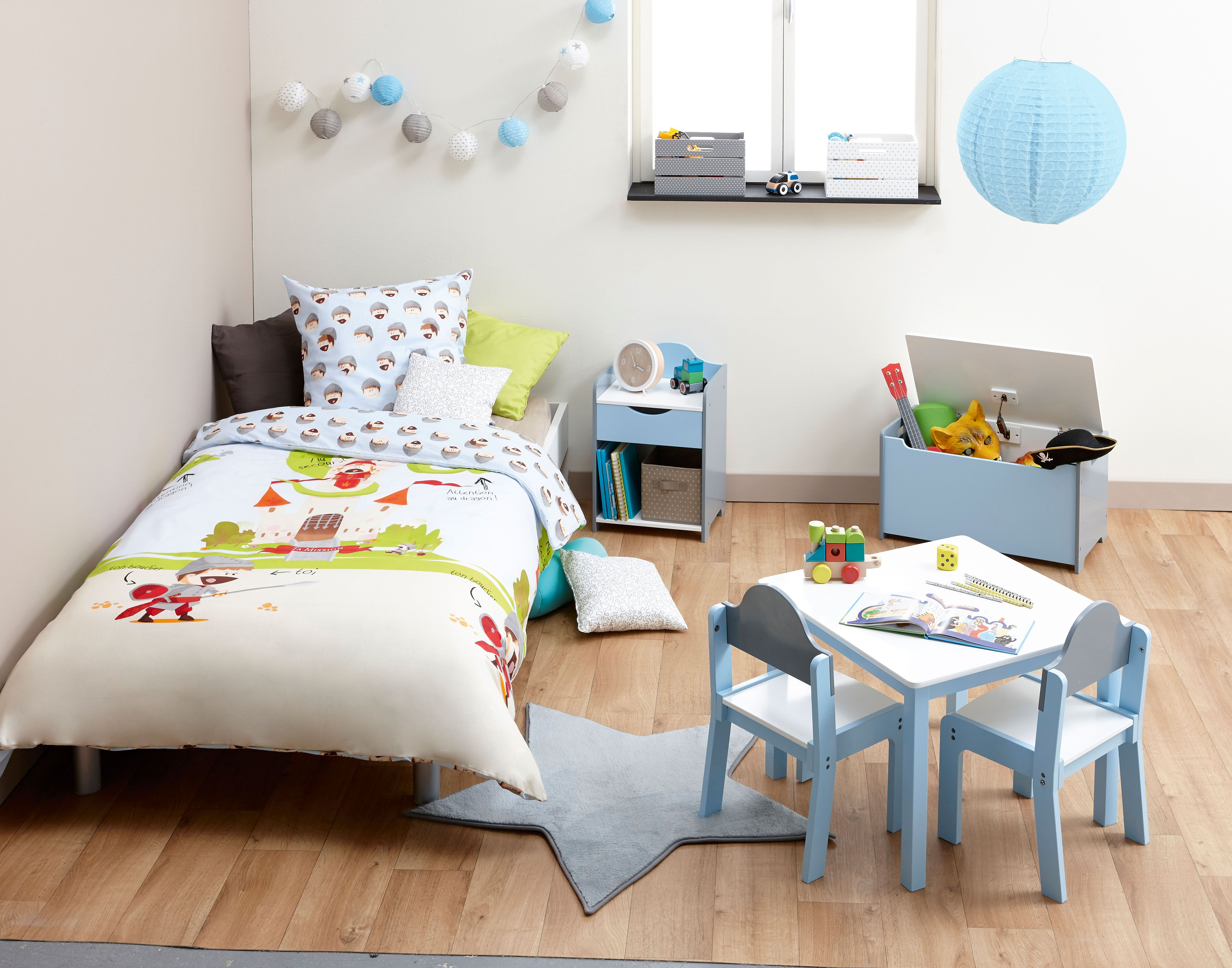 Chambre d enfant ambiance home story guirlande led chevet