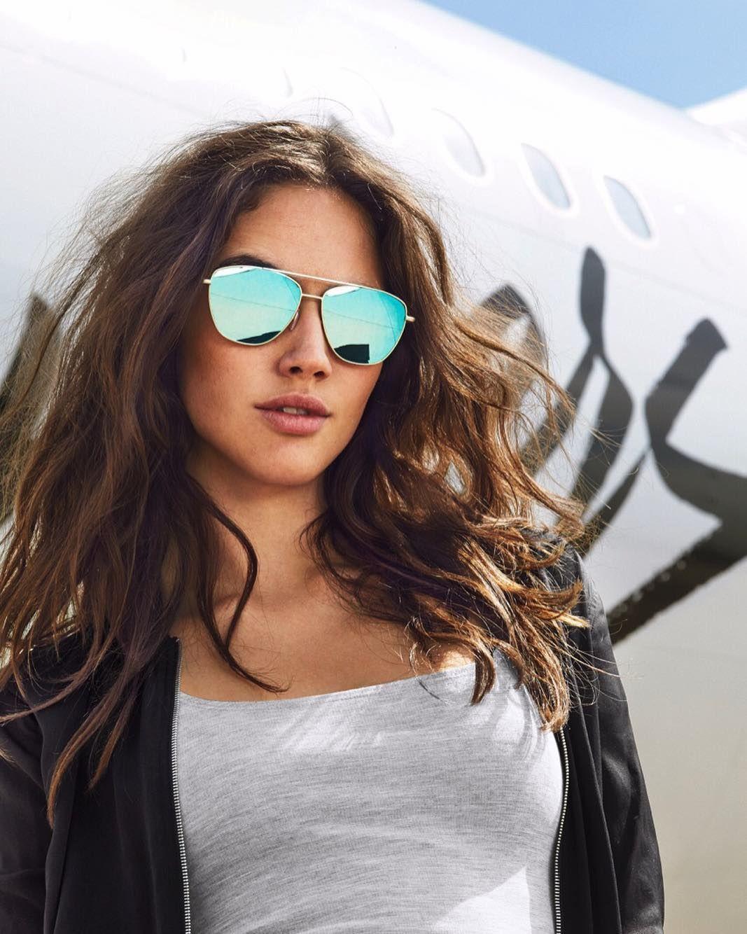 Presunción Hobart Incontable  KARAT CLEAR BLUE LAX Hawkers despega rediseñando las gafas de estilo  aviador. Estas gafas de diseño clásico y atemporal cuentan co…   Gafas de  sol, Gafas, Sol mujer