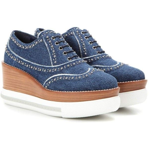 Miu Miu Platform Denim Oxford Shoes (16,515 MXN) ❤ liked on Polyvore featuring shoes, oxfords, blue, blue shoes, platform shoes, platform oxford shoes, miu miu and denim shoes
