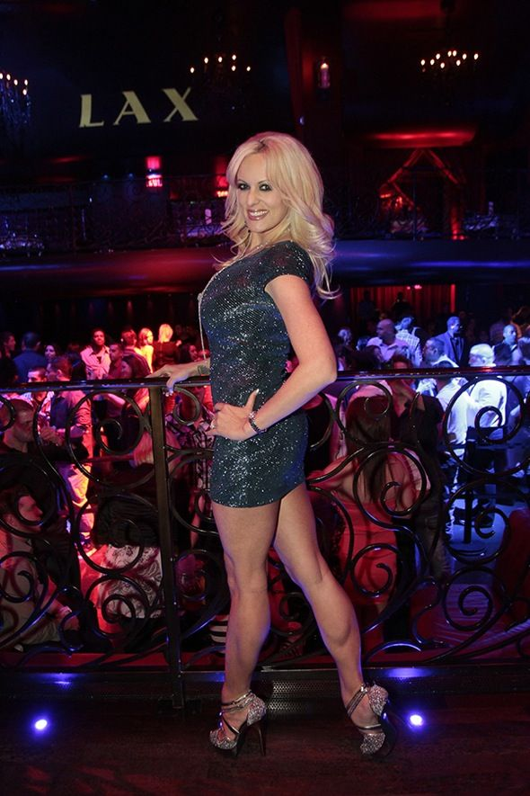 Adult Star Stormy Daniels Wowing In A Mini Skirt  Just -2694