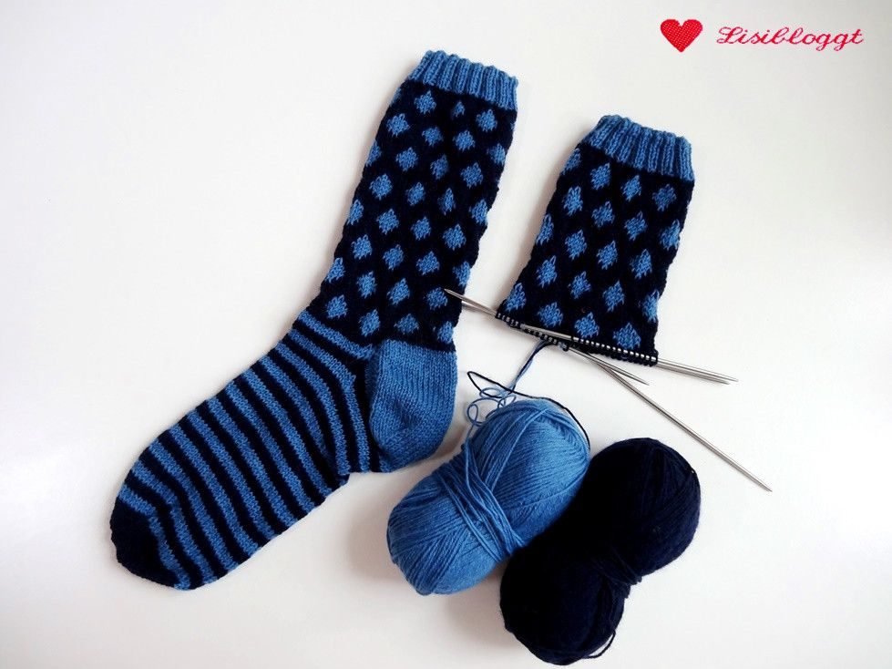 Photo of Instructions: Knit point socks with a simple Norwegian pattern