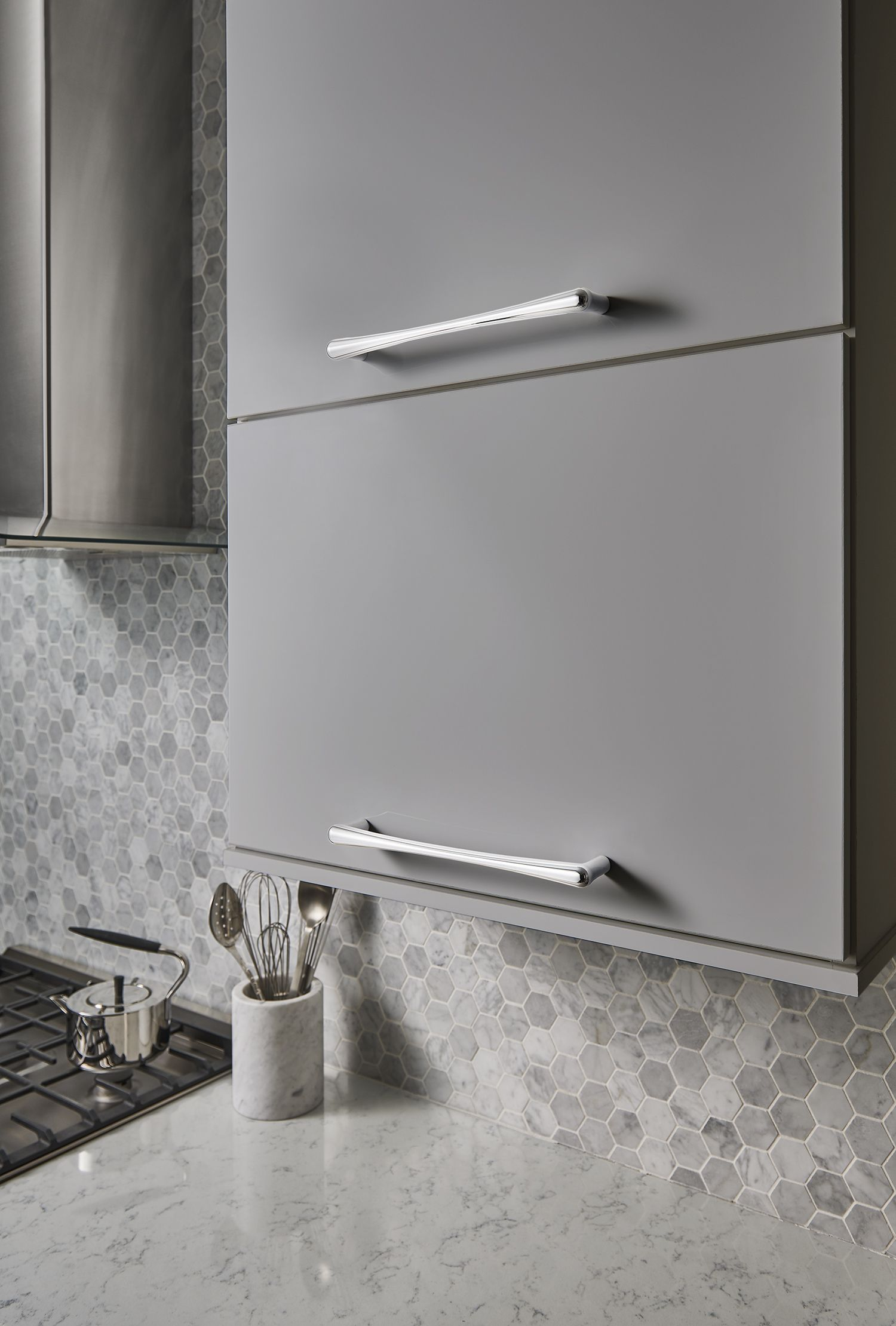 Top Knobs Barrington Collection  Brookline Appliance Pull 12 Inch (c C)  TK769PC Polished Chrome