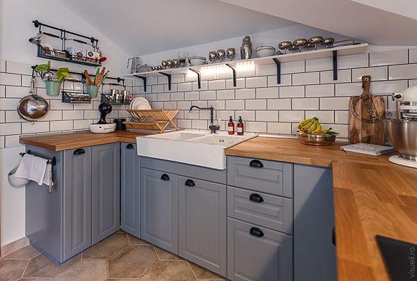 Acasa la Ioana, Dinu, si Mini | Pink kitchen, Kitchen