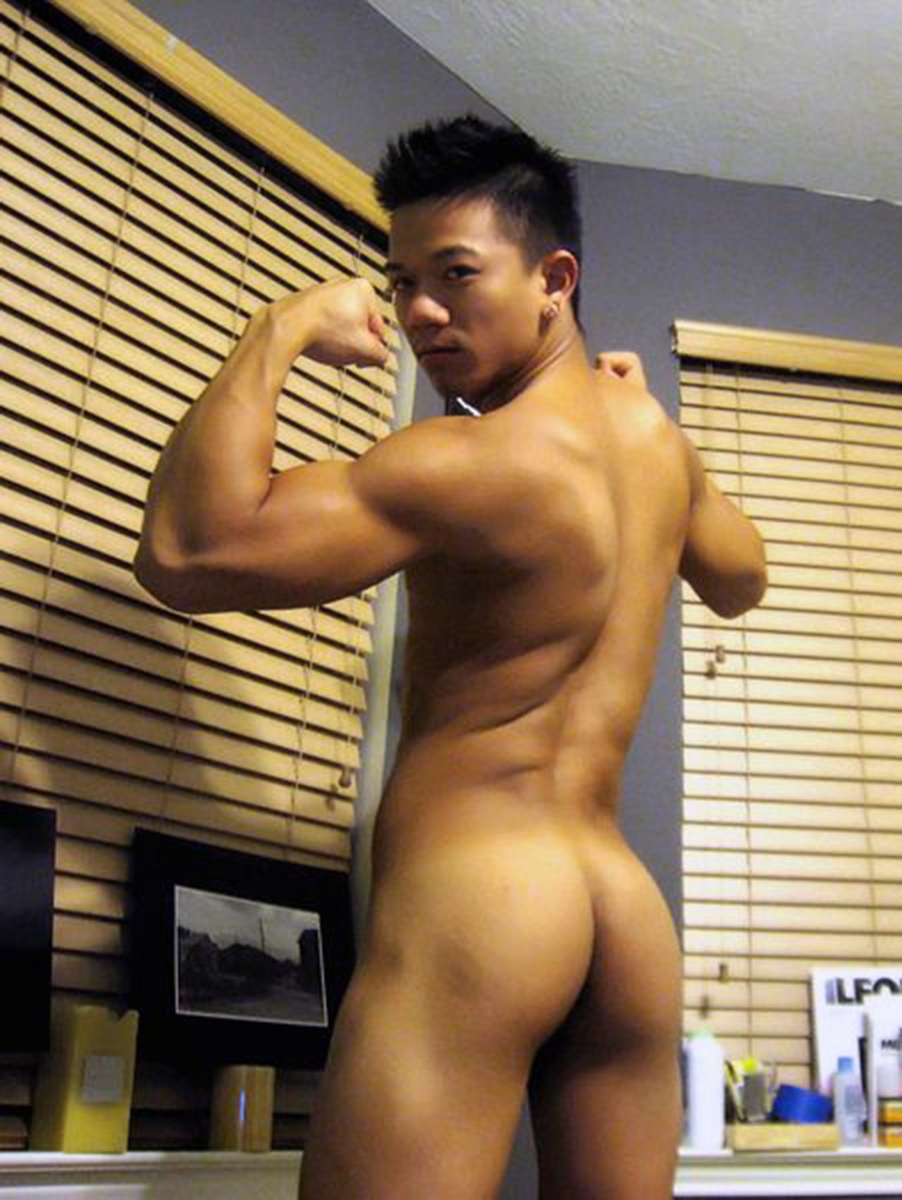 hot-sexy-nude-asian-guy-white-girl-pussy-close-up