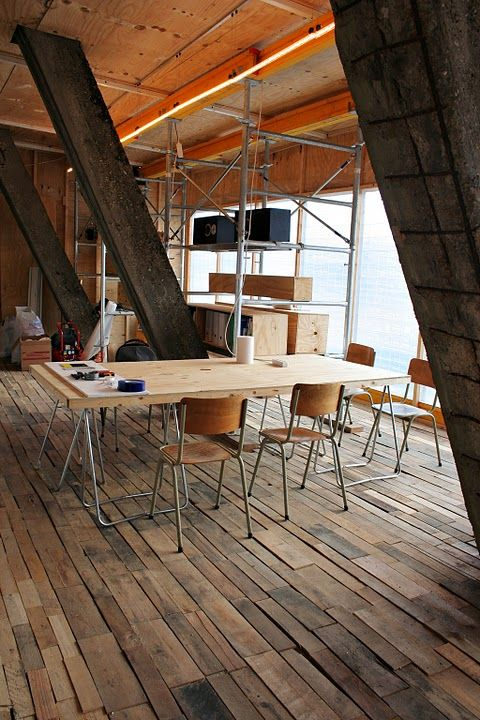 Recycled Pallet Floor | Pallet floors, Wood pallet ...