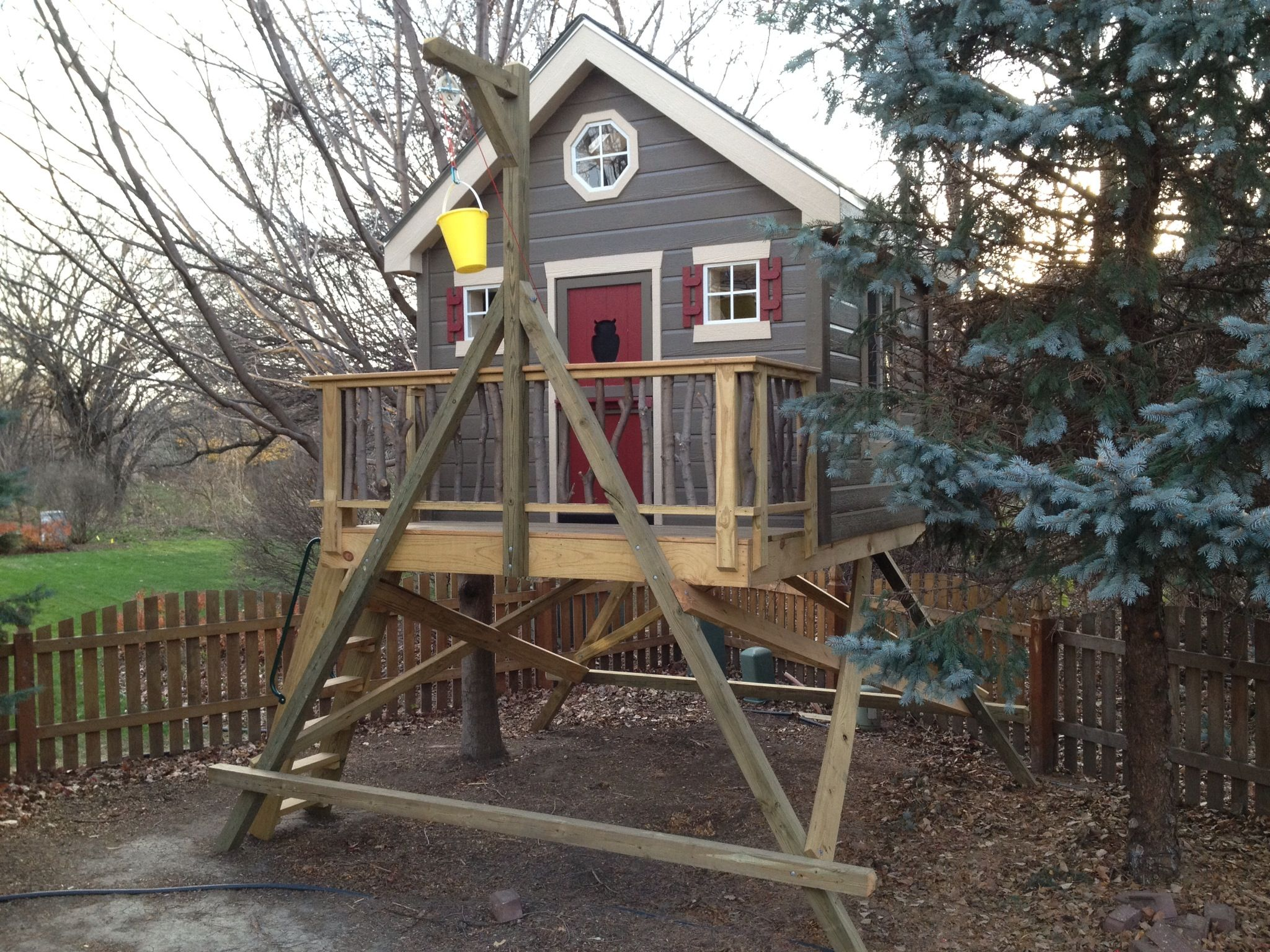 backyard tree fort i built for the kids projects pinterest