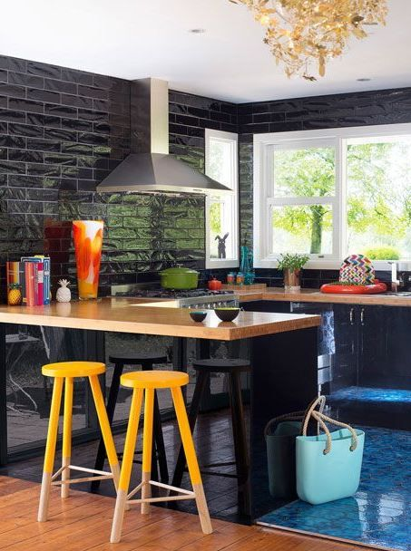 kaboodle kitchen black on black available at bunnings blackglossdoors bamboobenchtop on kaboodle kitchen layout id=62533