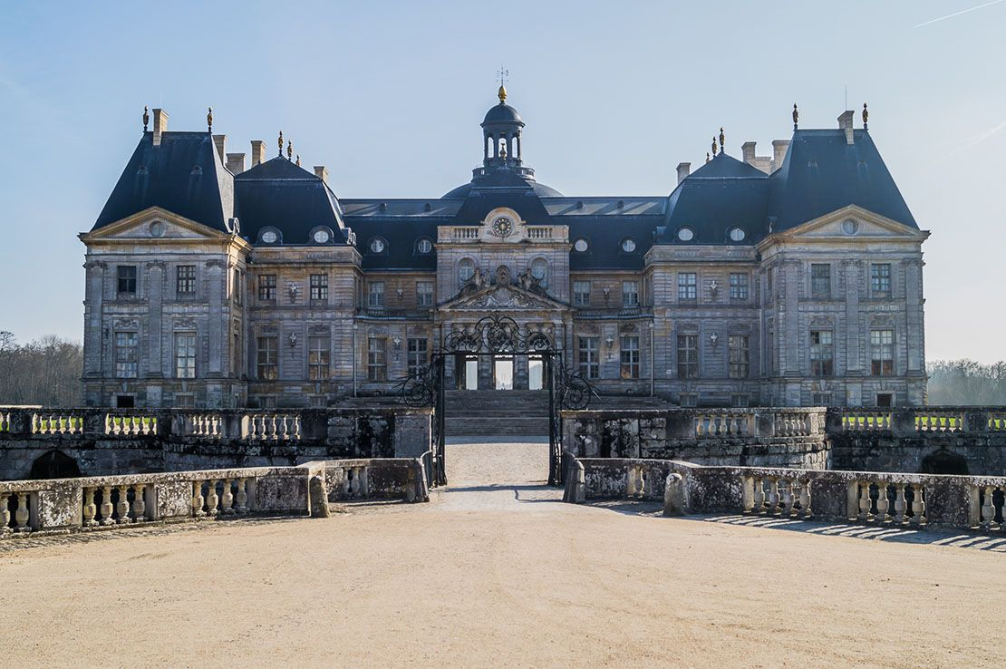 The Chateau Chateau Travel Around The World Castle