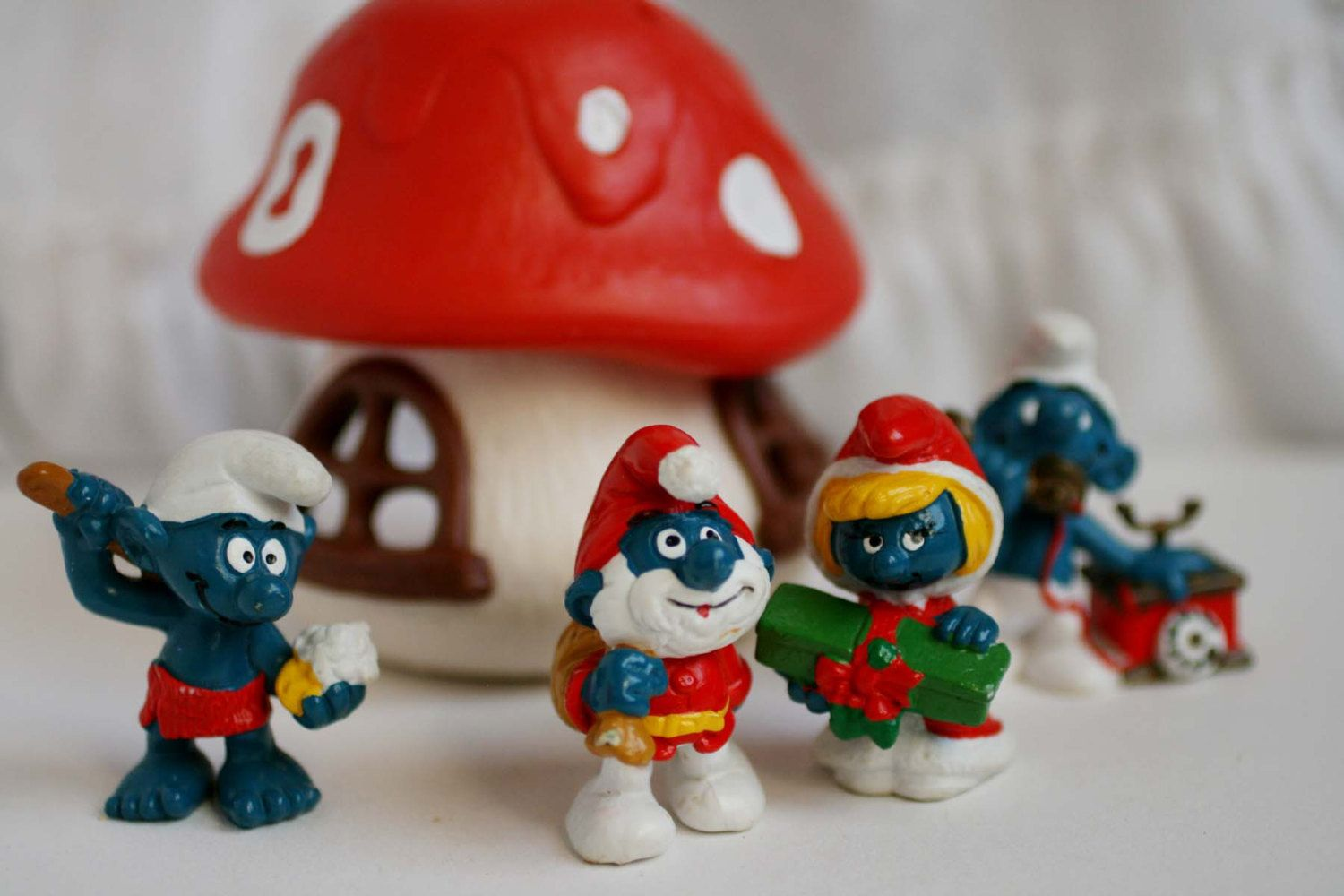 Vintage Peyo Smruf Mushroom House and Smurfs, Christmas Papa Smurf, Smurfett, Sauna Smurf. by AbateArts on Etsy