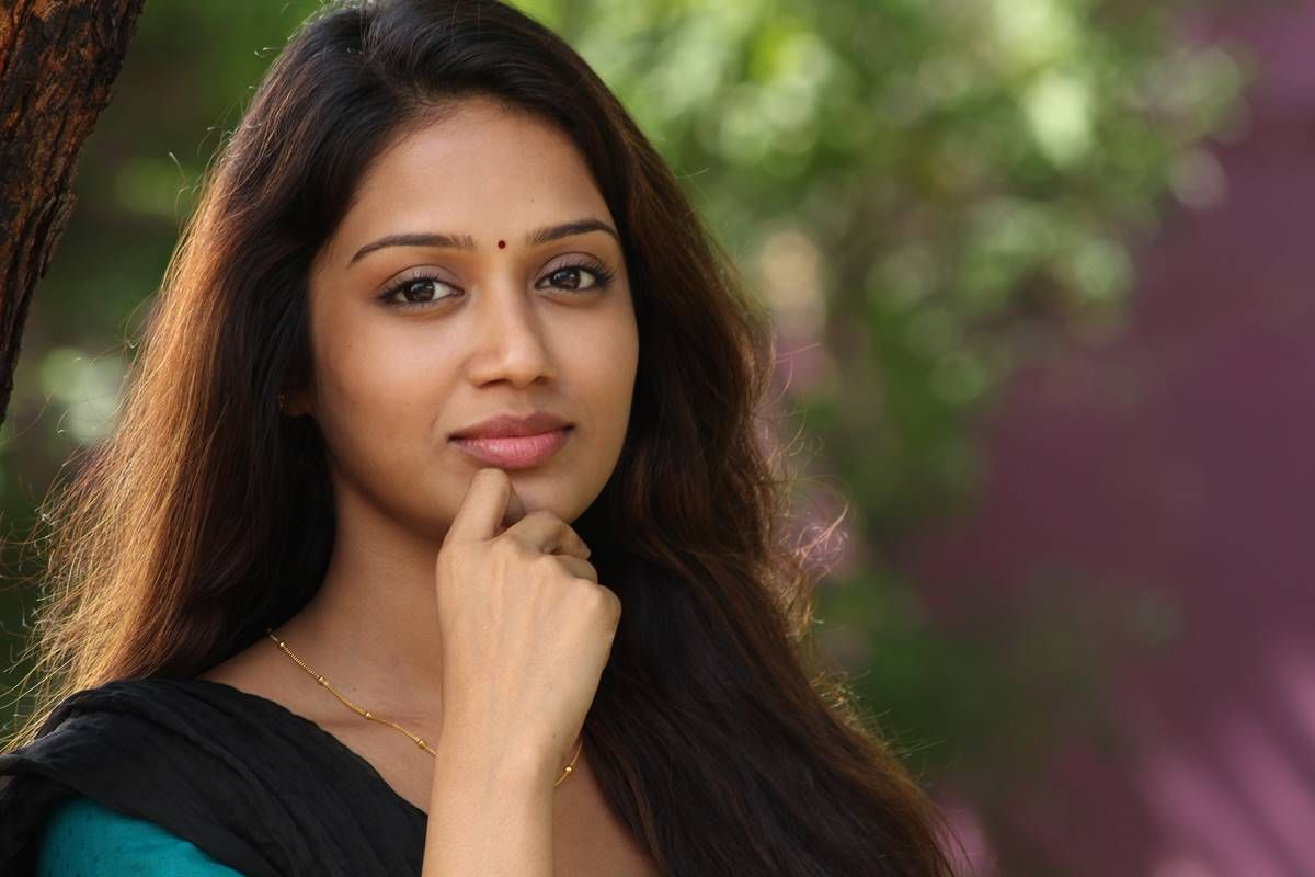 actress nivetha pethuraj latest cute stills actress nivetha pethuraj