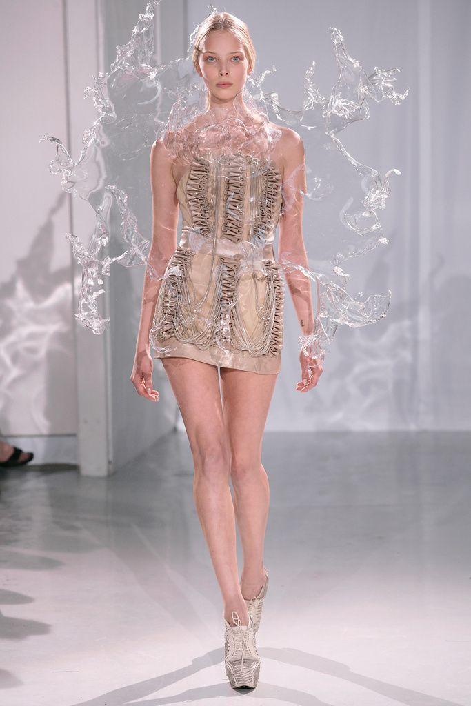 Oh My What The Hell Is That Iris Van Harpen Splash Costume
