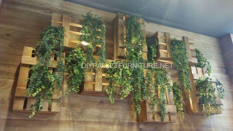 muebles de palets lmparas y jardineras con cajas de fruta