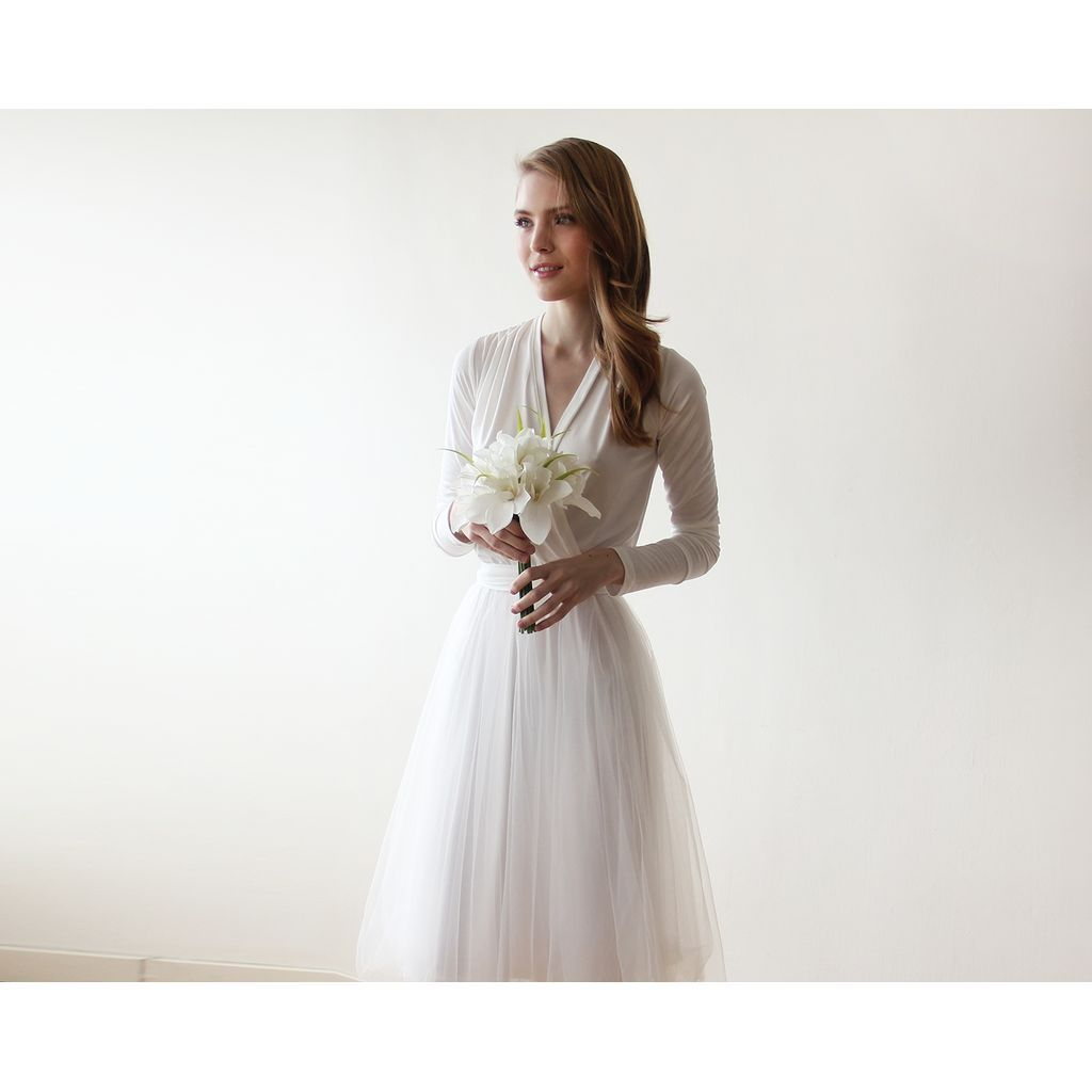 Ivory maxi tulle wedding dress with long sleeves bridal gown in