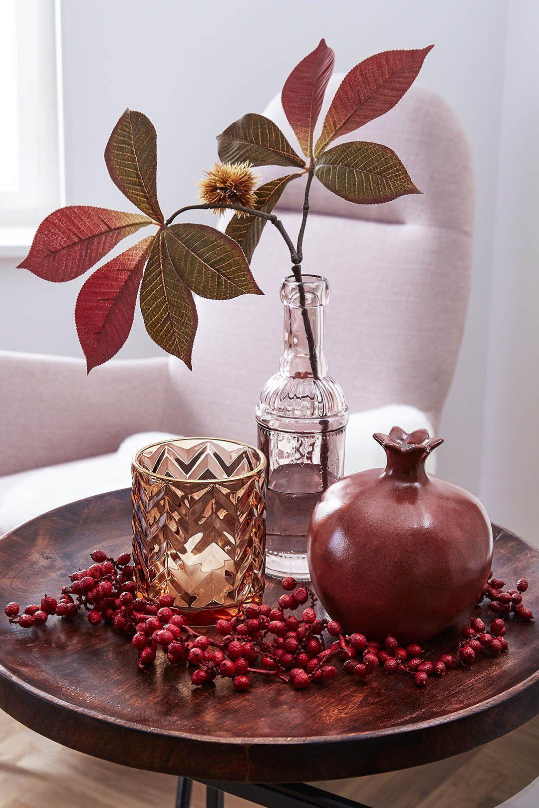 Herbstliche Stimmung für Dein Wohnzimmer auf einem Tablett oder in einer Vase
