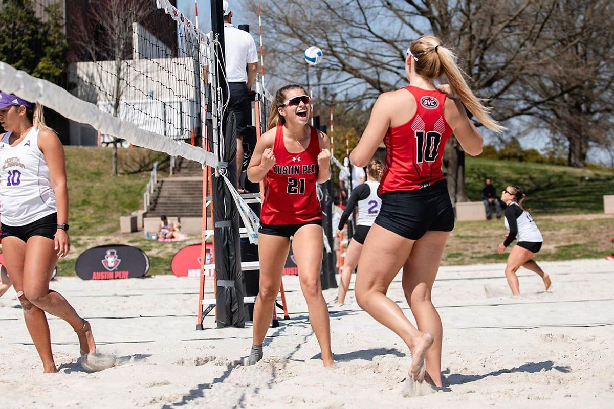 Apsu Beach Volleyball Splits Doubleheader At Morehead State Beach Volleyball Match Of The Day Volleyball