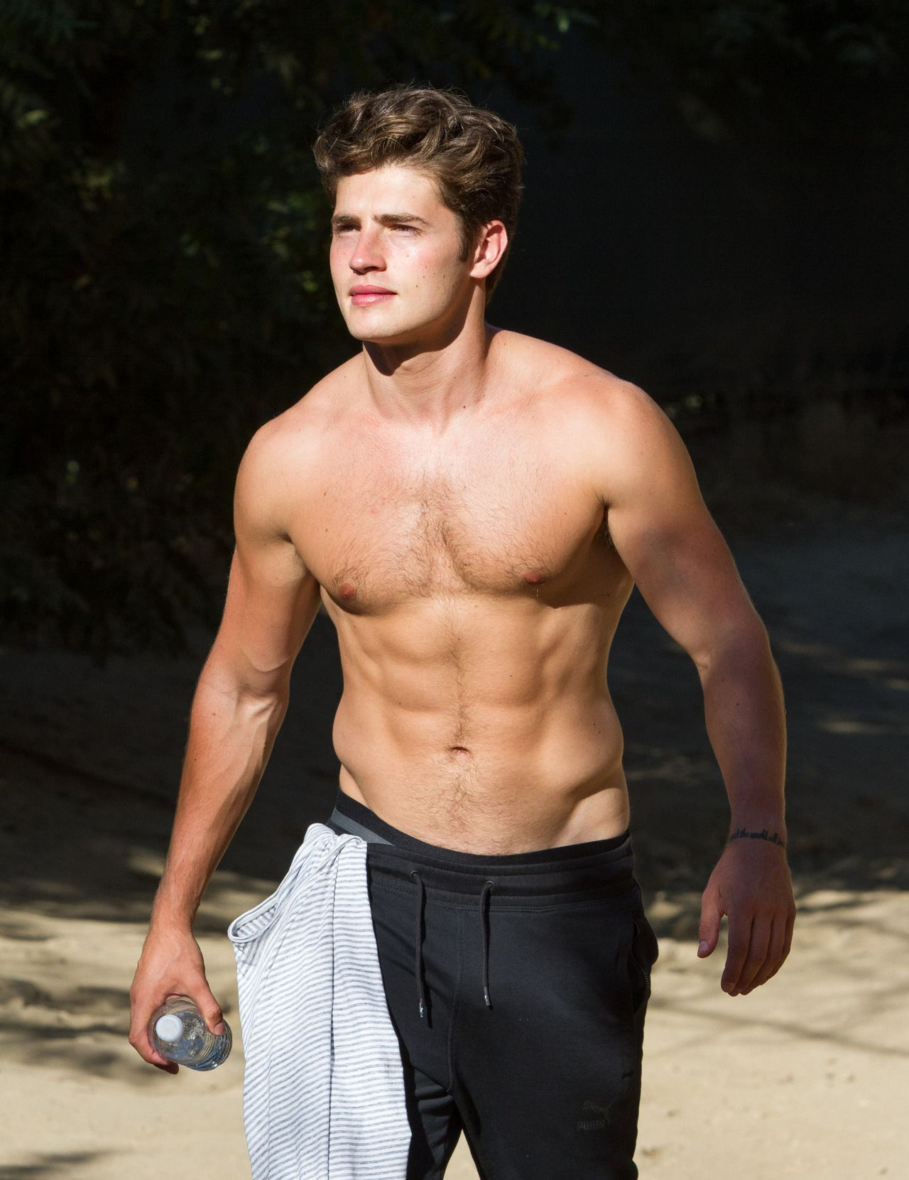 Gregg Sulkin Actor  Totty  Entertainment in 2019