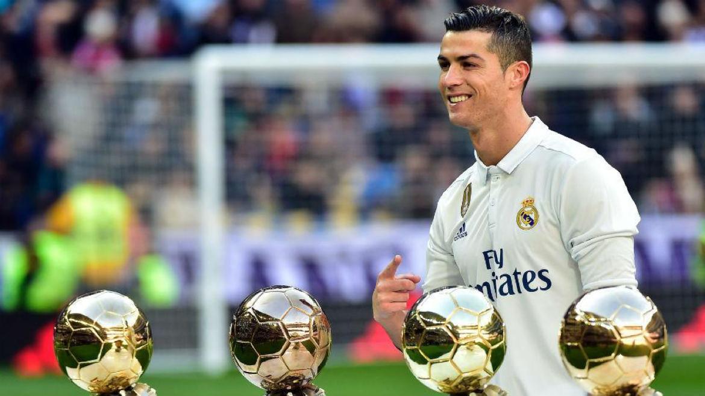 Real Madrid, líder de la Liga de España, le gana a Granada bit.ly/2iP13C5 enero7/2017 @canchallena
