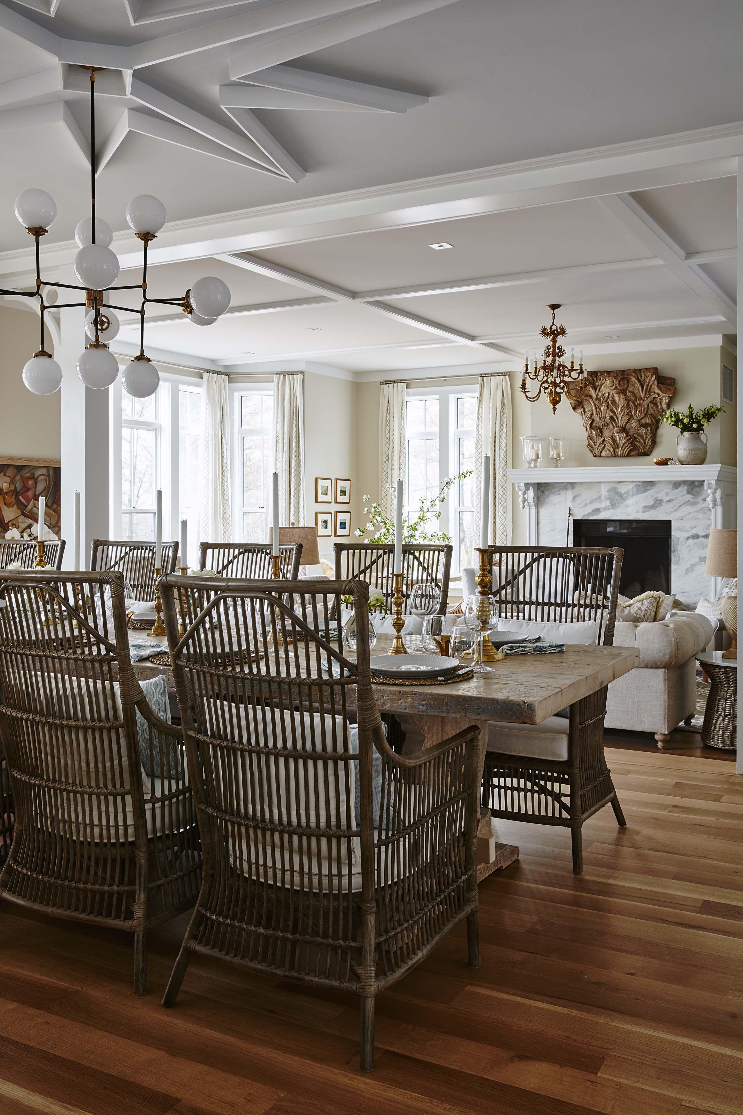 Farmhouse Dining Table And Chairs Open To Living Room. #SarahRichardson  #modernfarmhouse #ceilingdesign